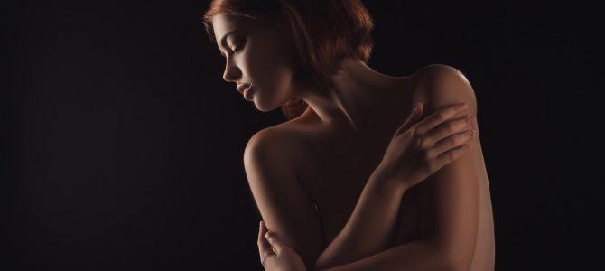 Quali strategie vengono utilizzate dalla donna narcisista in ambito sessuale?